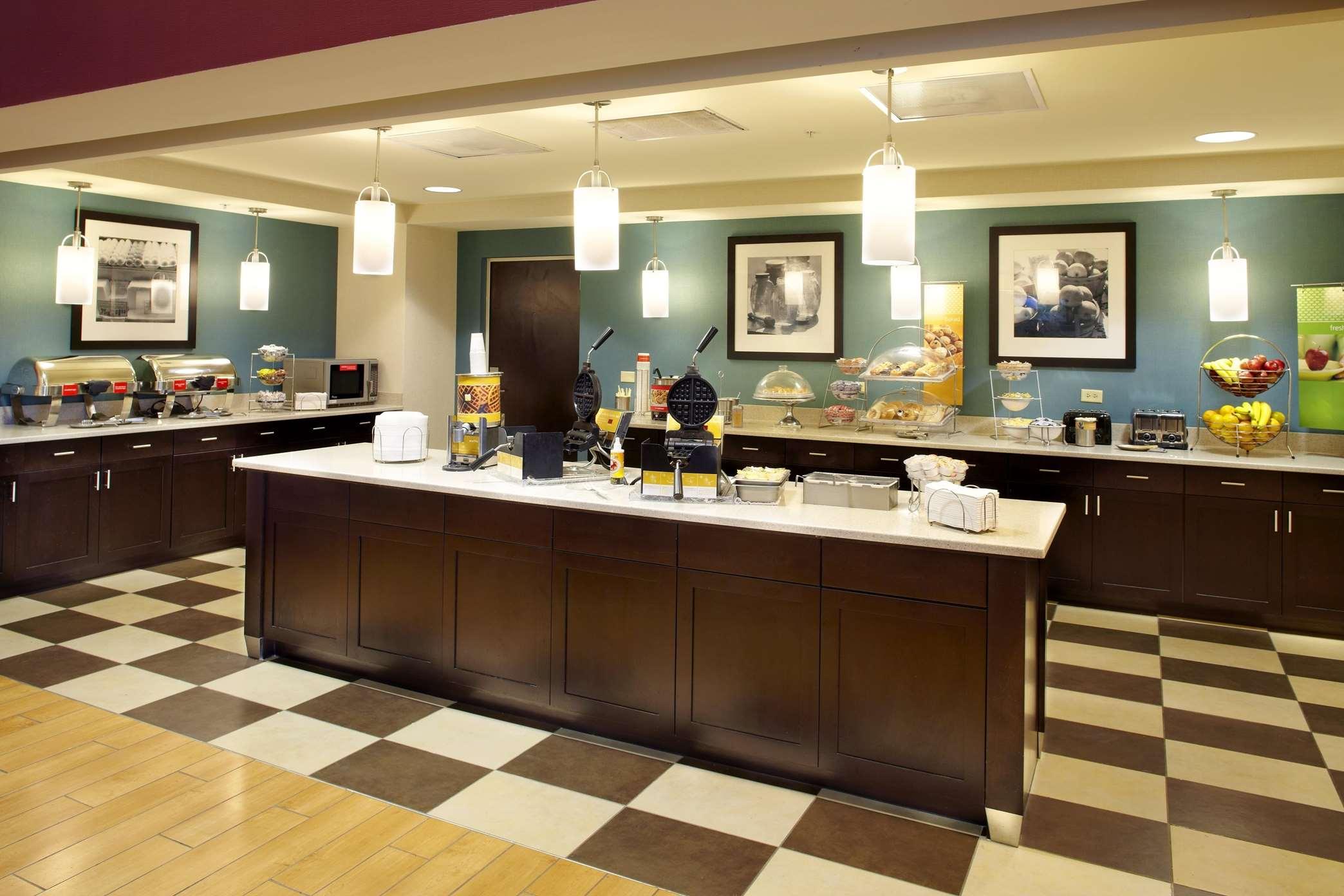 Hampton Inn & Suites Clearwater/St. Petersburg-Ulmerton Road, FL image 7