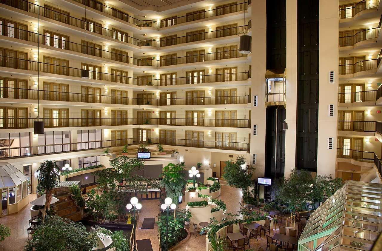 Embassy Suites by Hilton Indianapolis North image 0