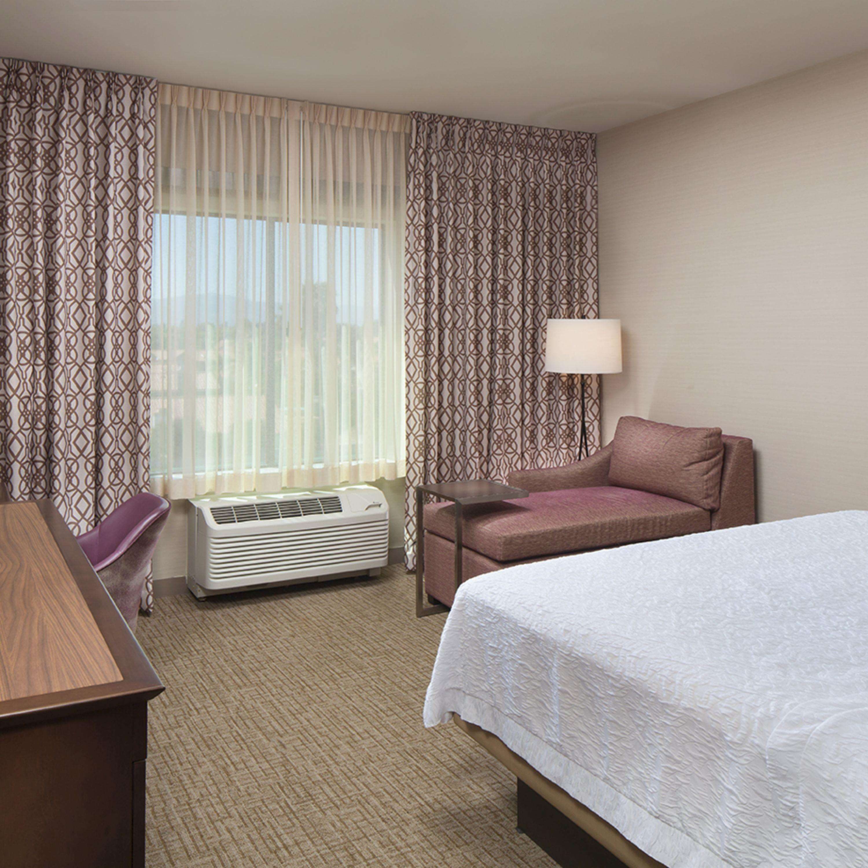 Hampton Inn & Suites Murrieta Temecula image 34