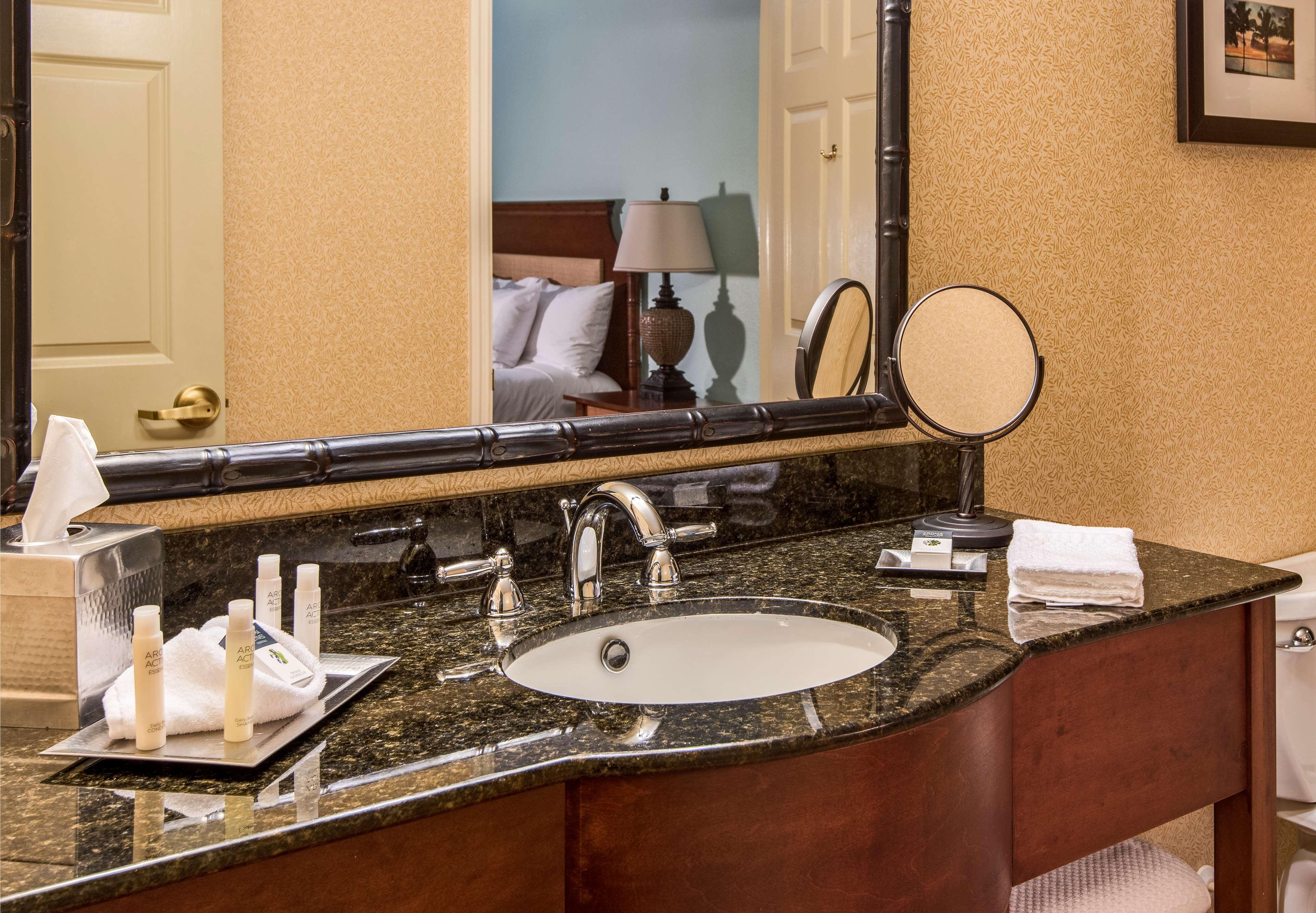 DoubleTree Suites by Hilton Hotel Naples image 24