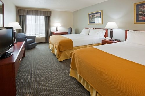 Holiday Inn Express & Suites Sioux Falls At Empire Mall image 2