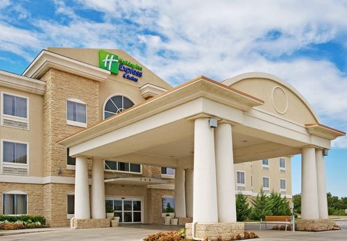 Holiday Inn Express & Suites Vernon College Area (Hwy 287) image 2