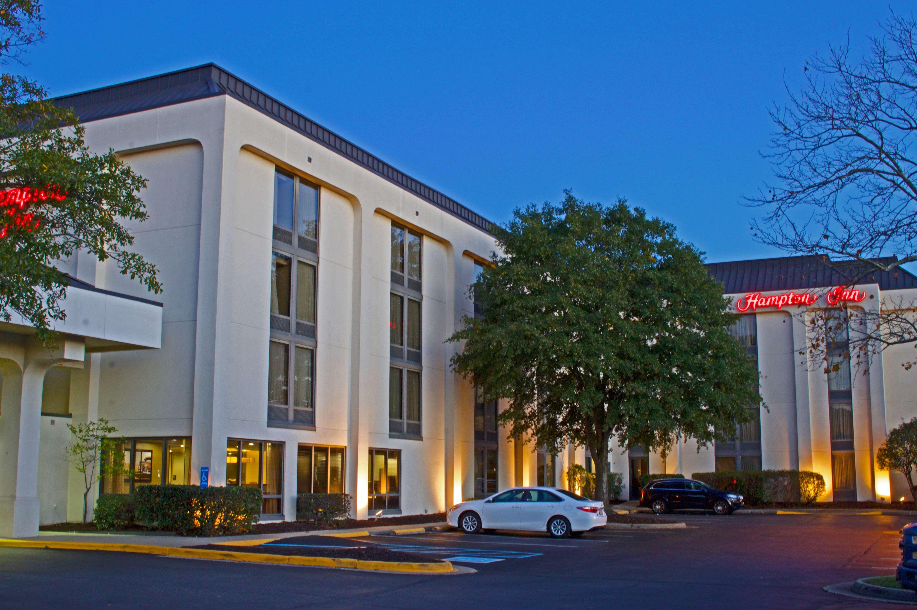 Hampton Inn Norfolk/Chesapeake (Greenbrier Area) image 1