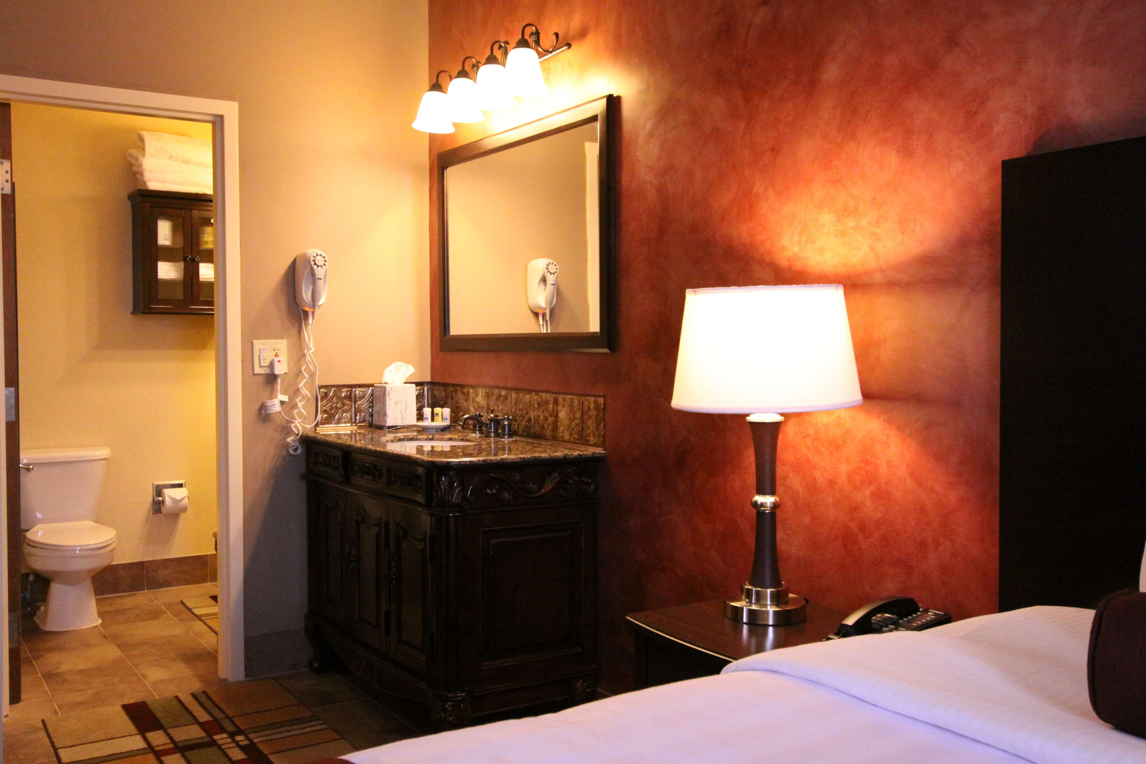 Best Western Plus Hannaford Inn & Suites image 30
