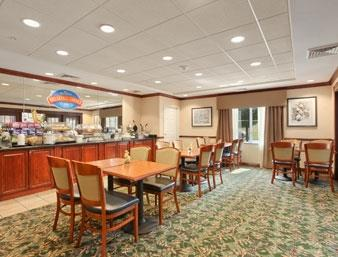 Baymont Inn & Suites Ft. Leonard/Saint Robert image 2