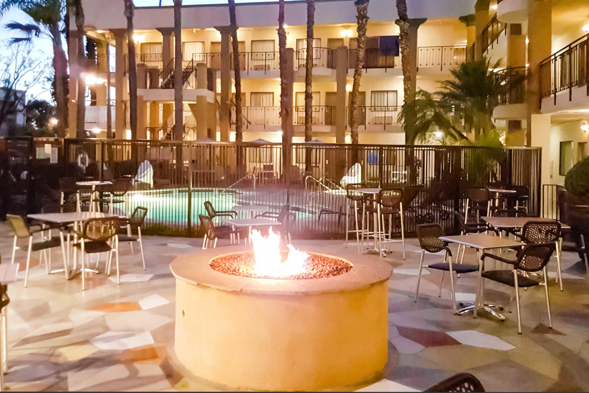 Comfort Inn & Suites Orange County John Wayne Airport image 8