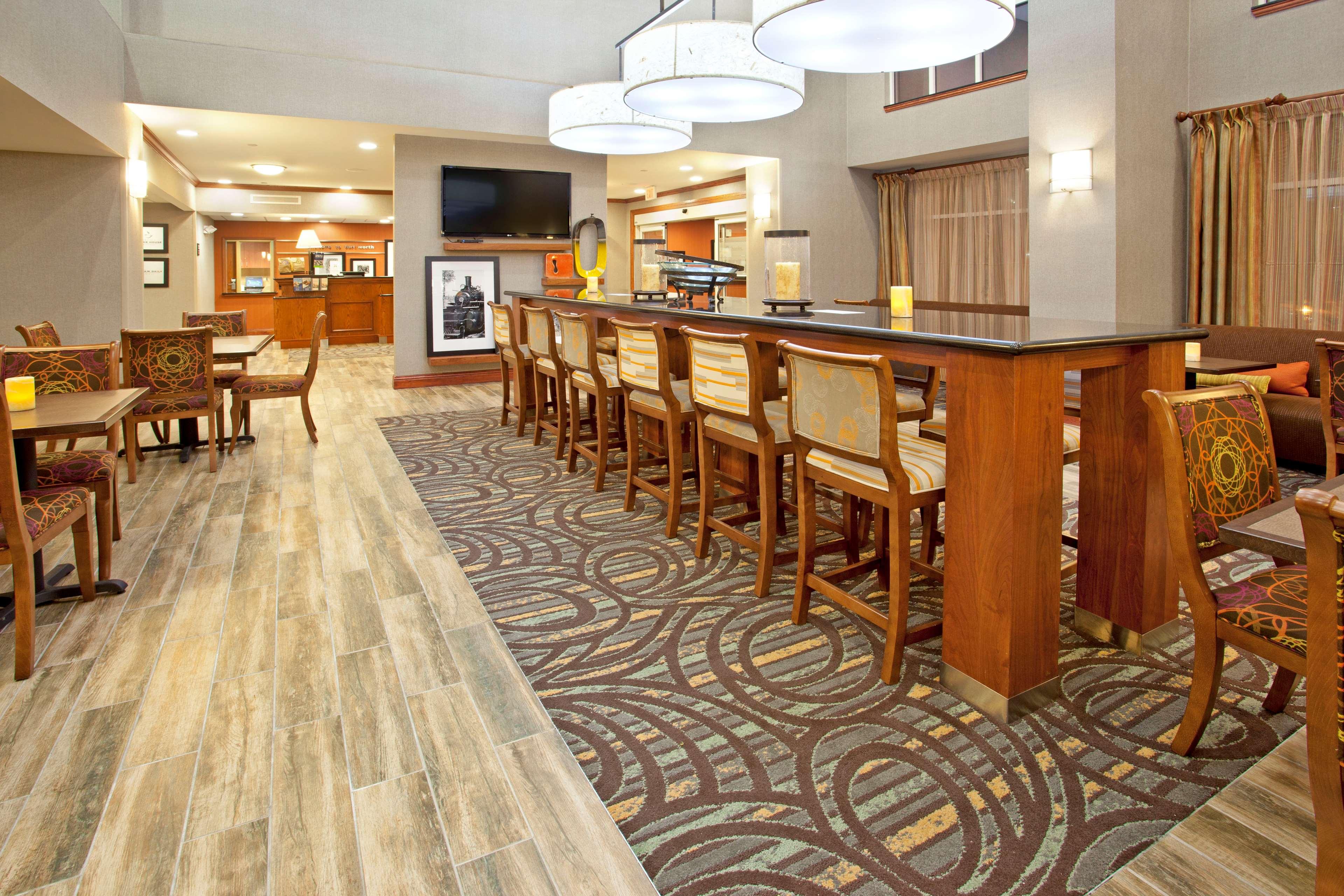 Hampton Inn & Suites Fort Worth-West-I-30 image 6