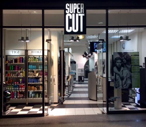 Super Cut, Königpassage Lübeck