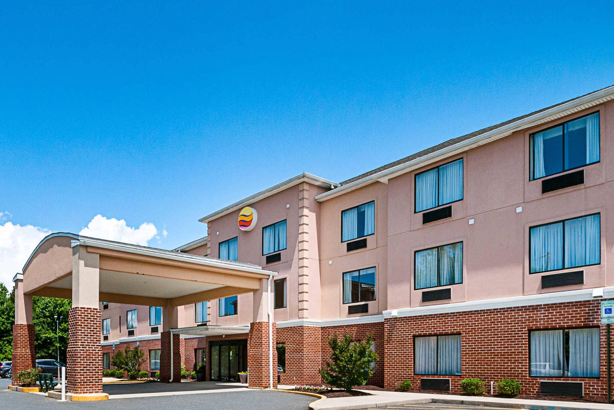 Comfort Inn & Suites Cambridge image 2