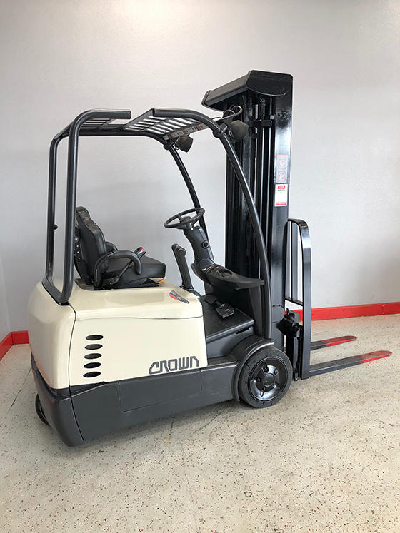 Electric Fork Lifts image 3