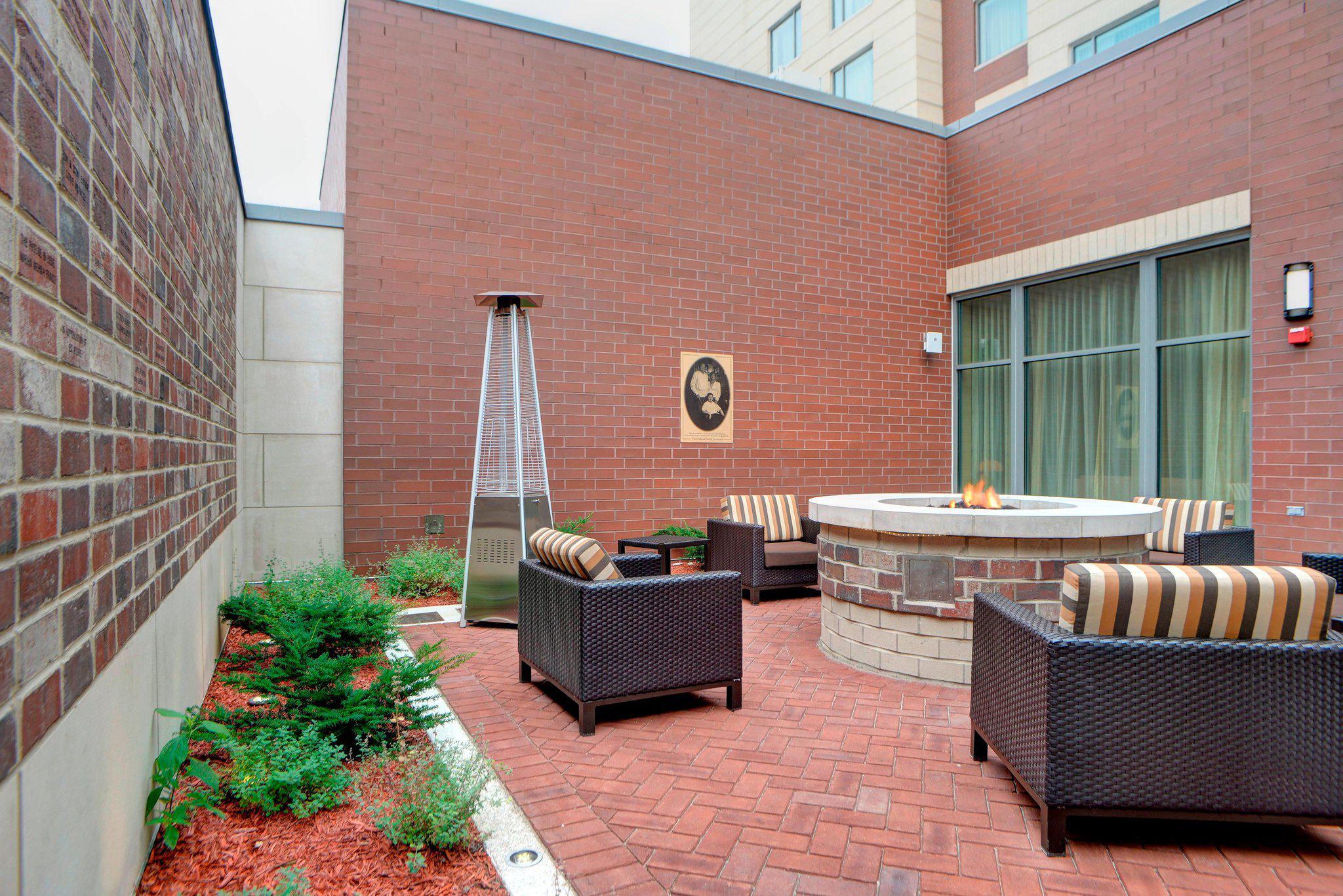 Courtyard by Marriott Muncie at Horizon Convention Center