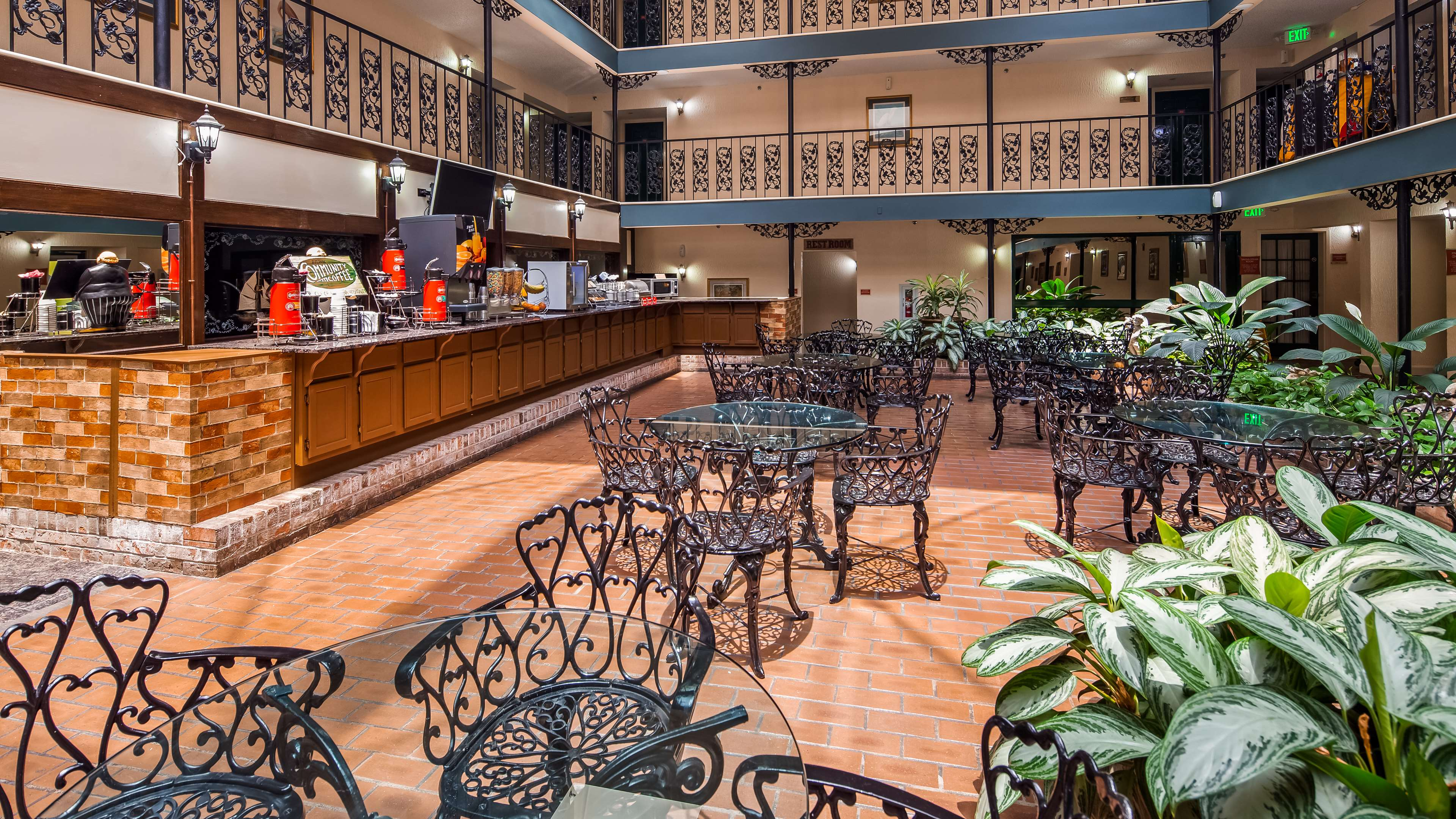SureStay Plus Hotel by Best Western Baton Rouge image 5