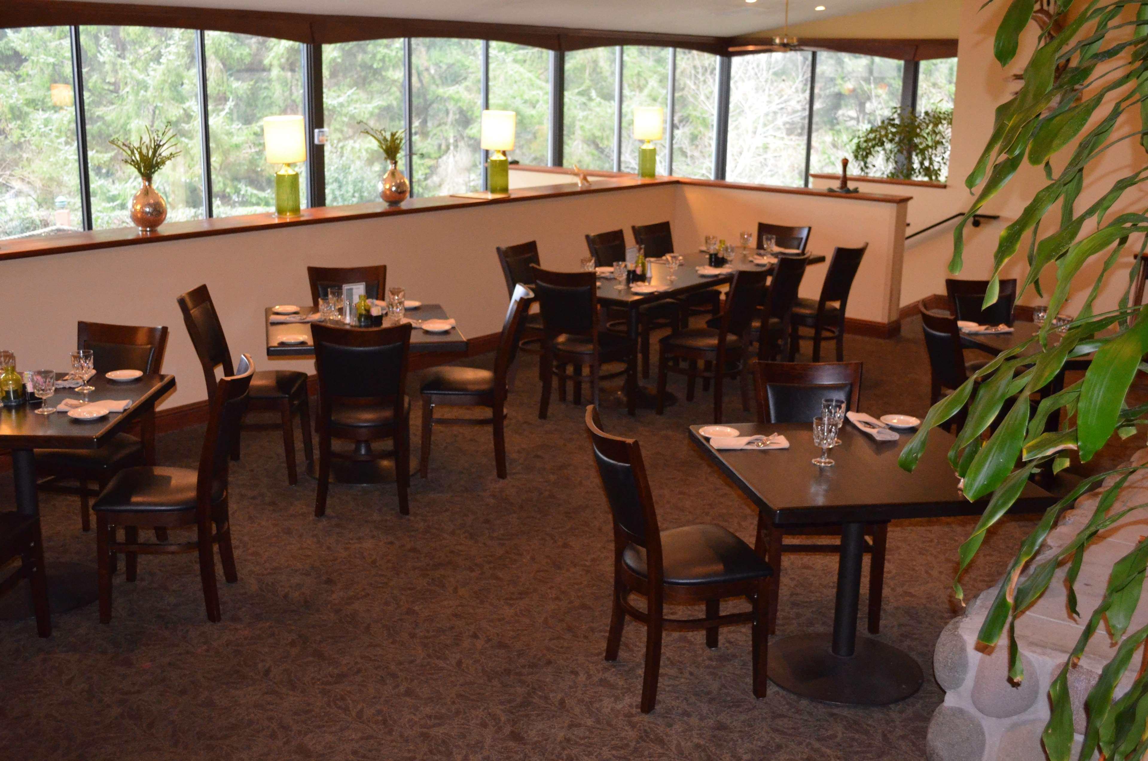 Best Western Agate Beach Inn image 23