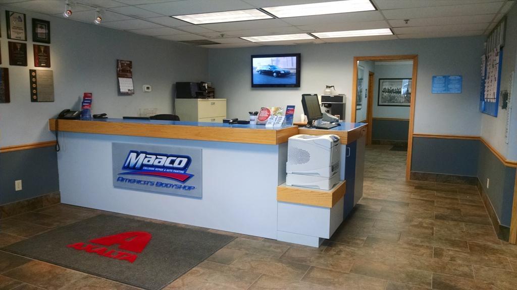 Maaco Collision Repair & Auto Painting image 19