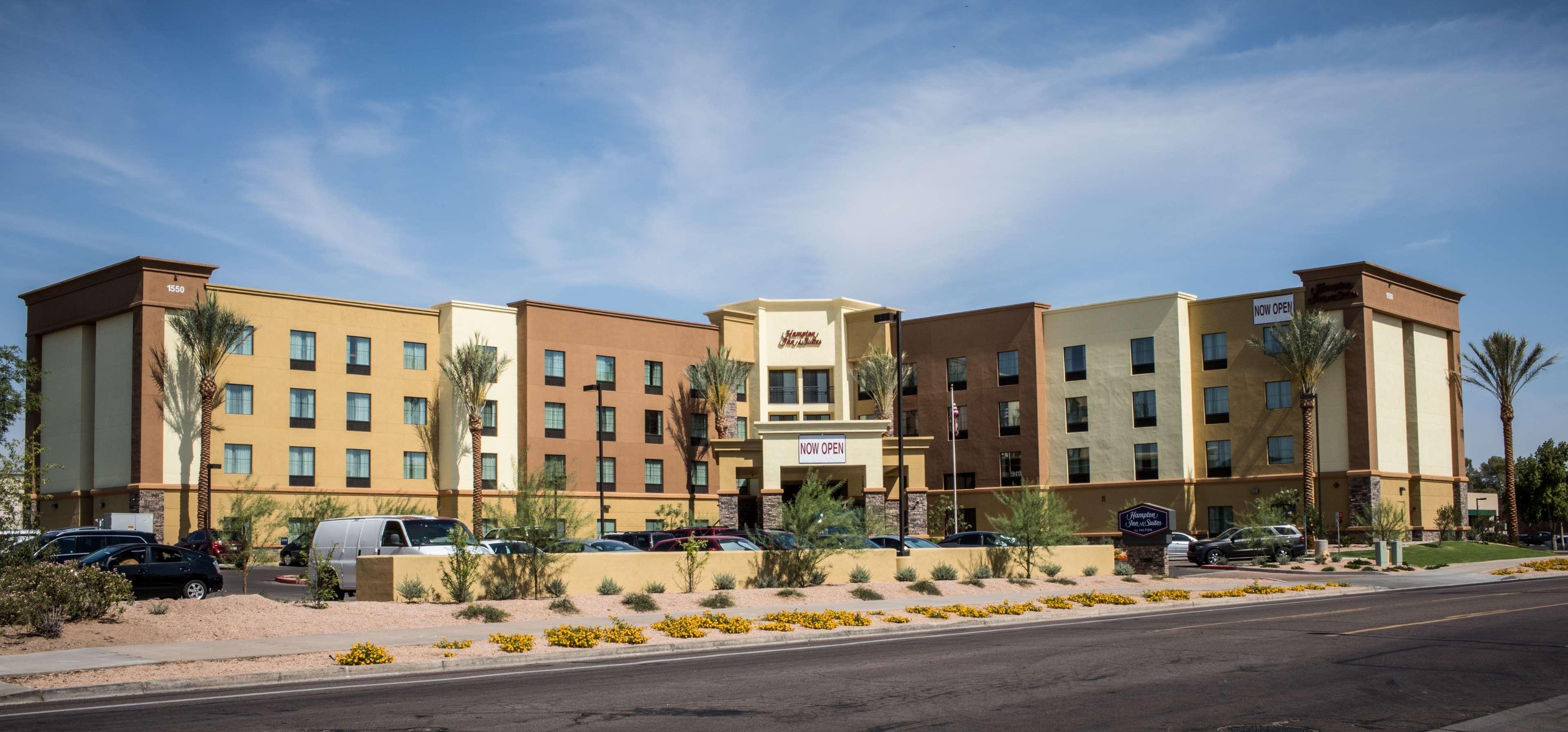 Hampton Inn & Suites Tempe - Phoenix Airport image 0