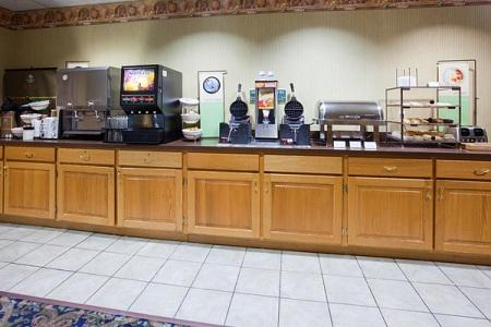 Country Inn & Suites by Radisson, Coralville, IA image 3