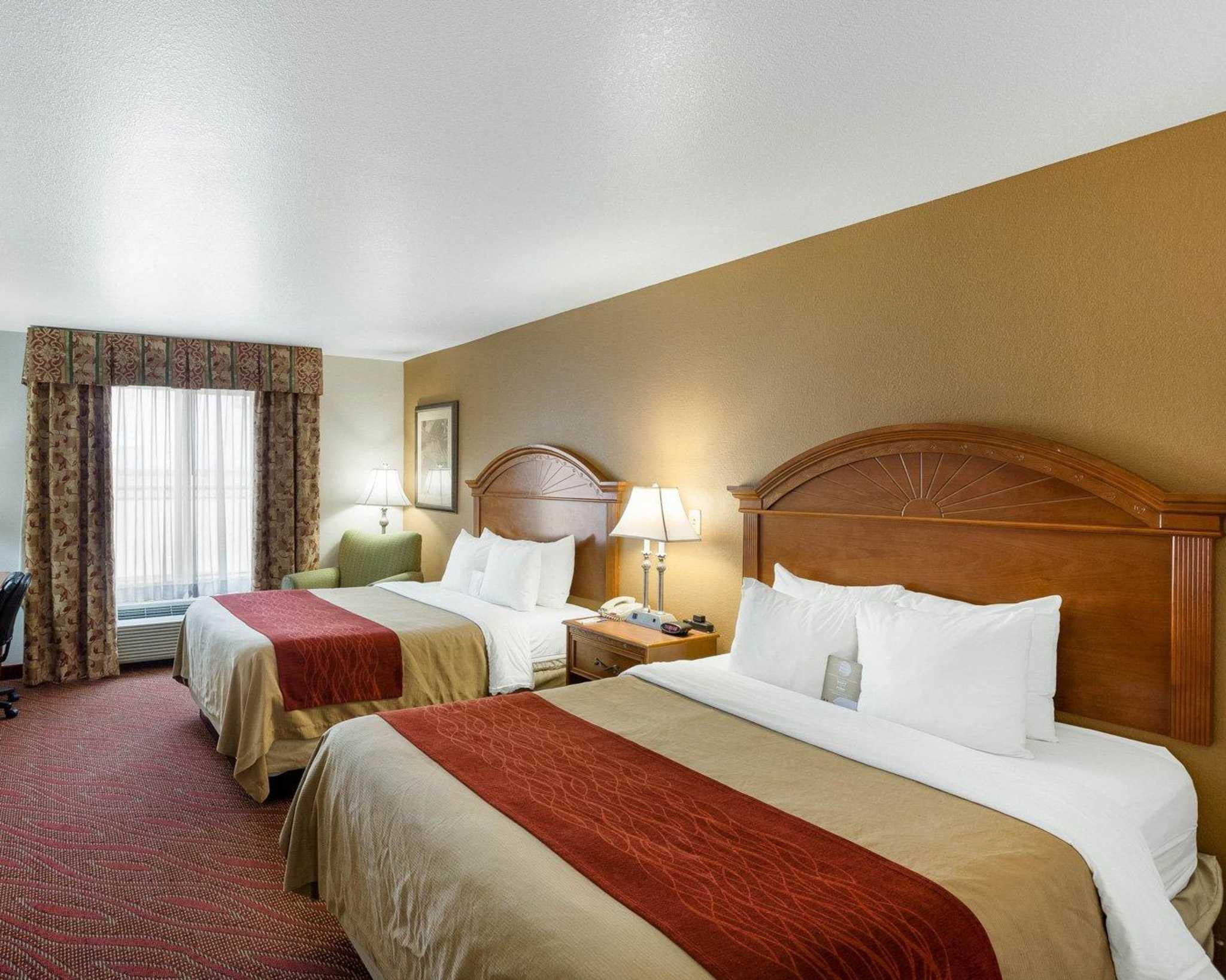 Comfort Inn & Suites Near Medical Center image 3