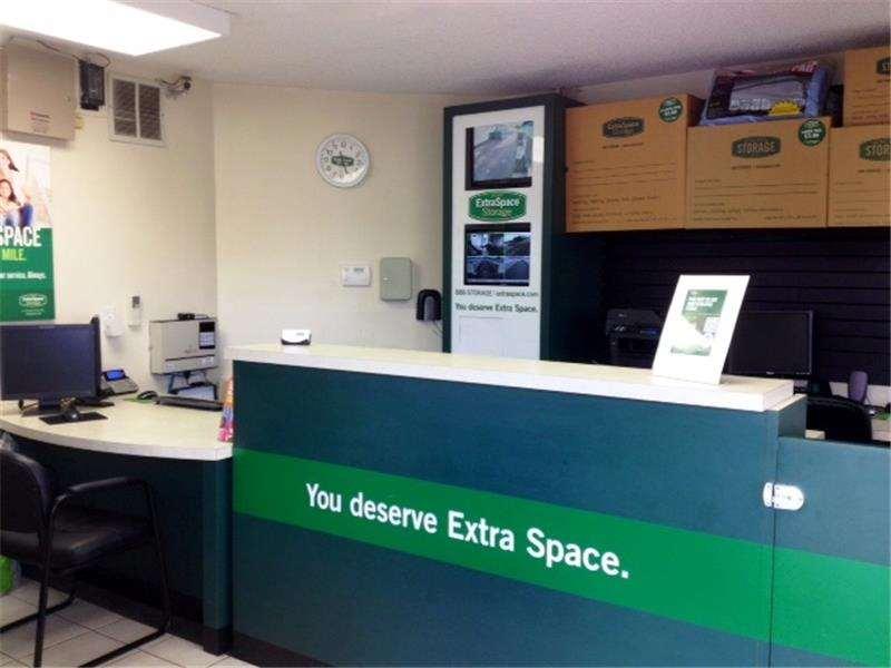 Extra Space Storage 3455 Forest Hill Blvd West Palm Beach, FL Warehouses  Self Storage   MapQuest