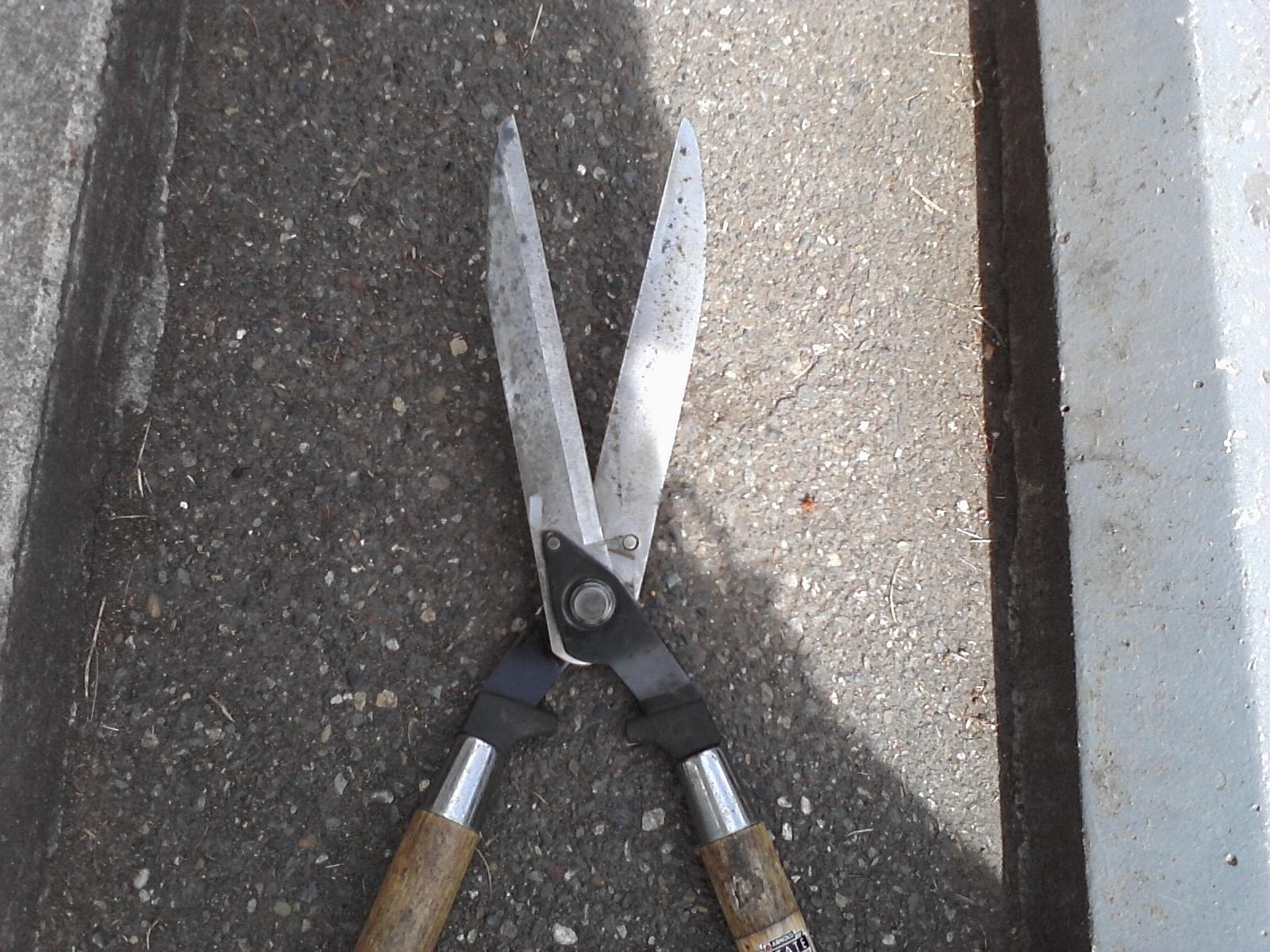 Sharp Right Sharpening Service