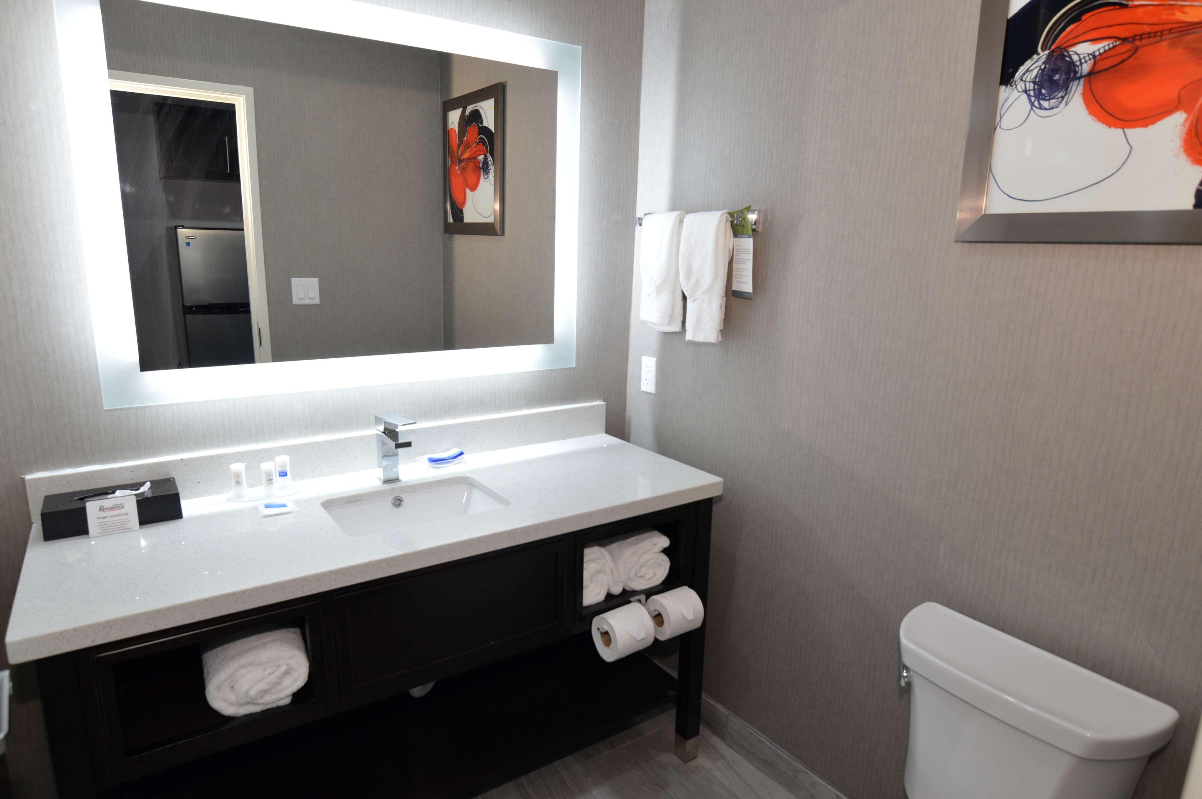 Best Western Plus Executive Residency Baytown image 44