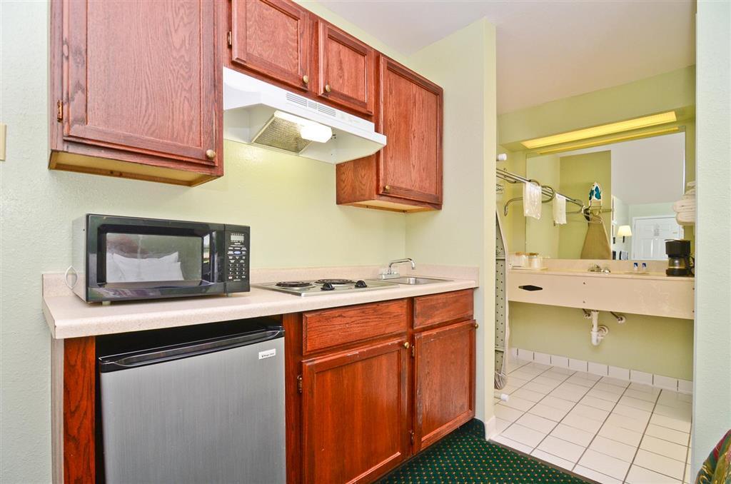 Americas Best Value Inn & Suites Smithville image 15