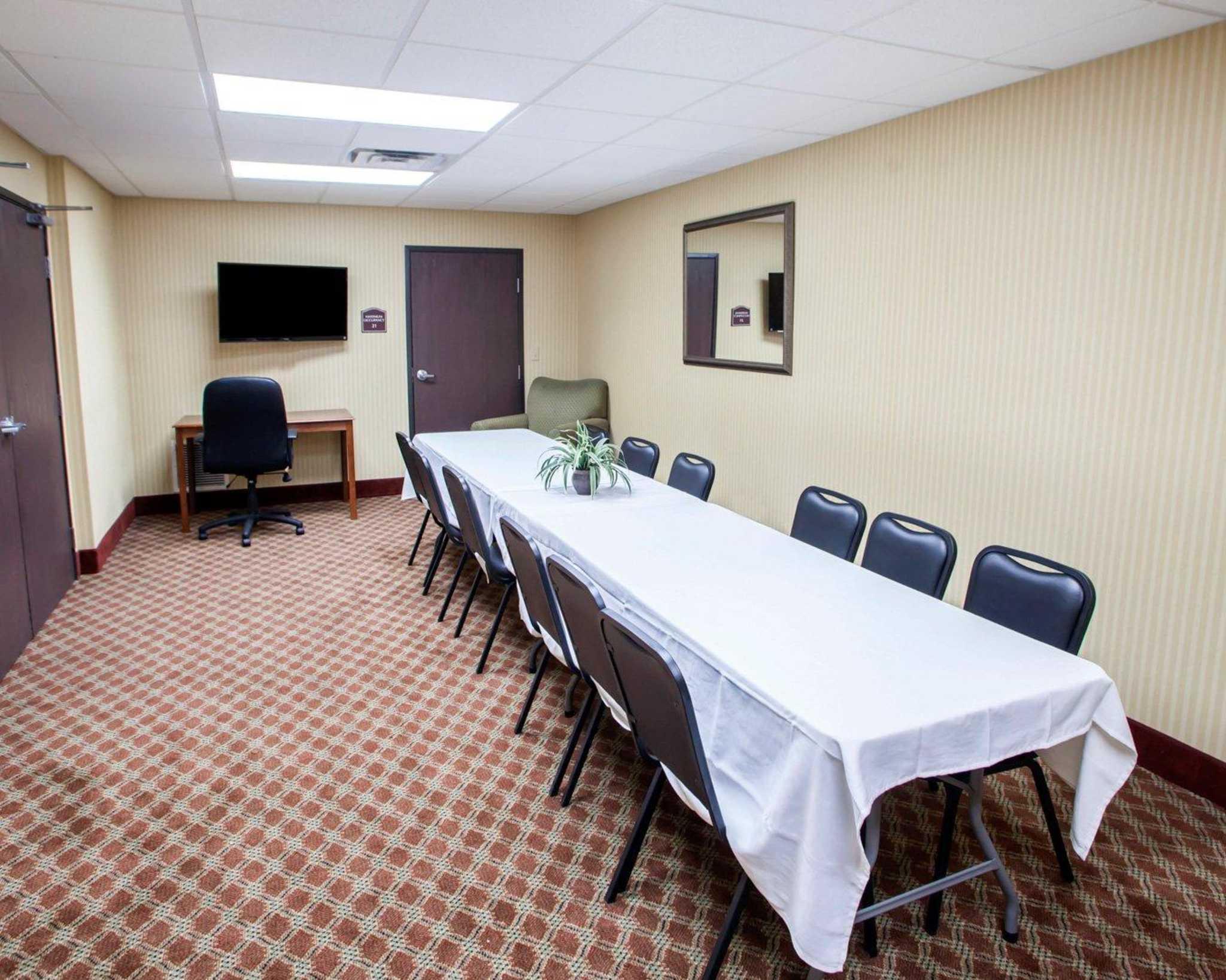 Comfort Inn & Suites image 30