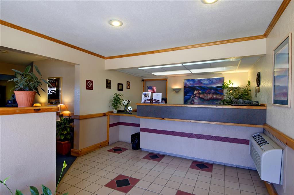 Americas Best Value Inn - Garden City image 2