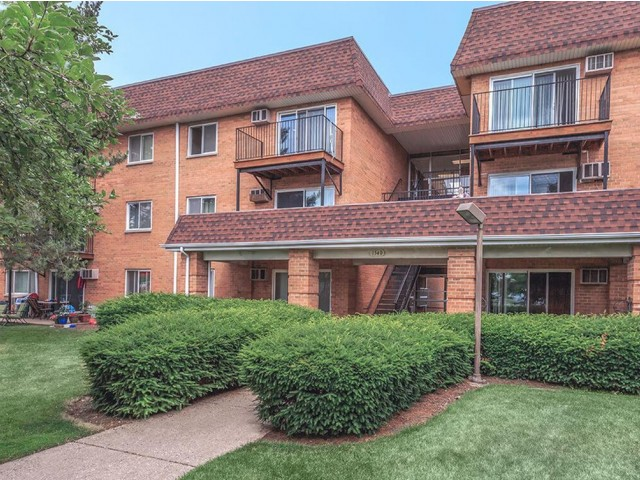 Residences at 1550 image 1