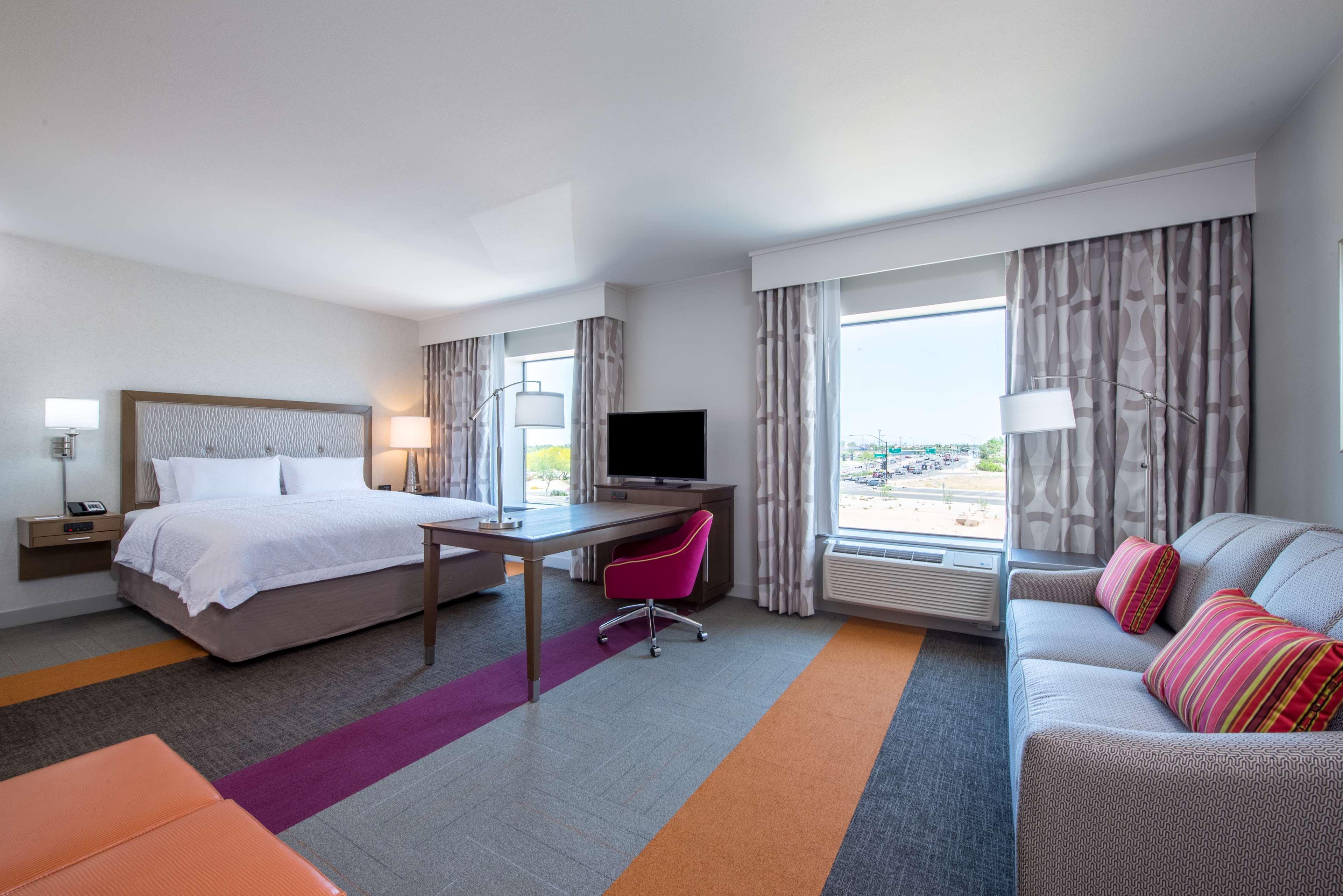 Hampton Inn & Suites Phoenix East Mesa image 14