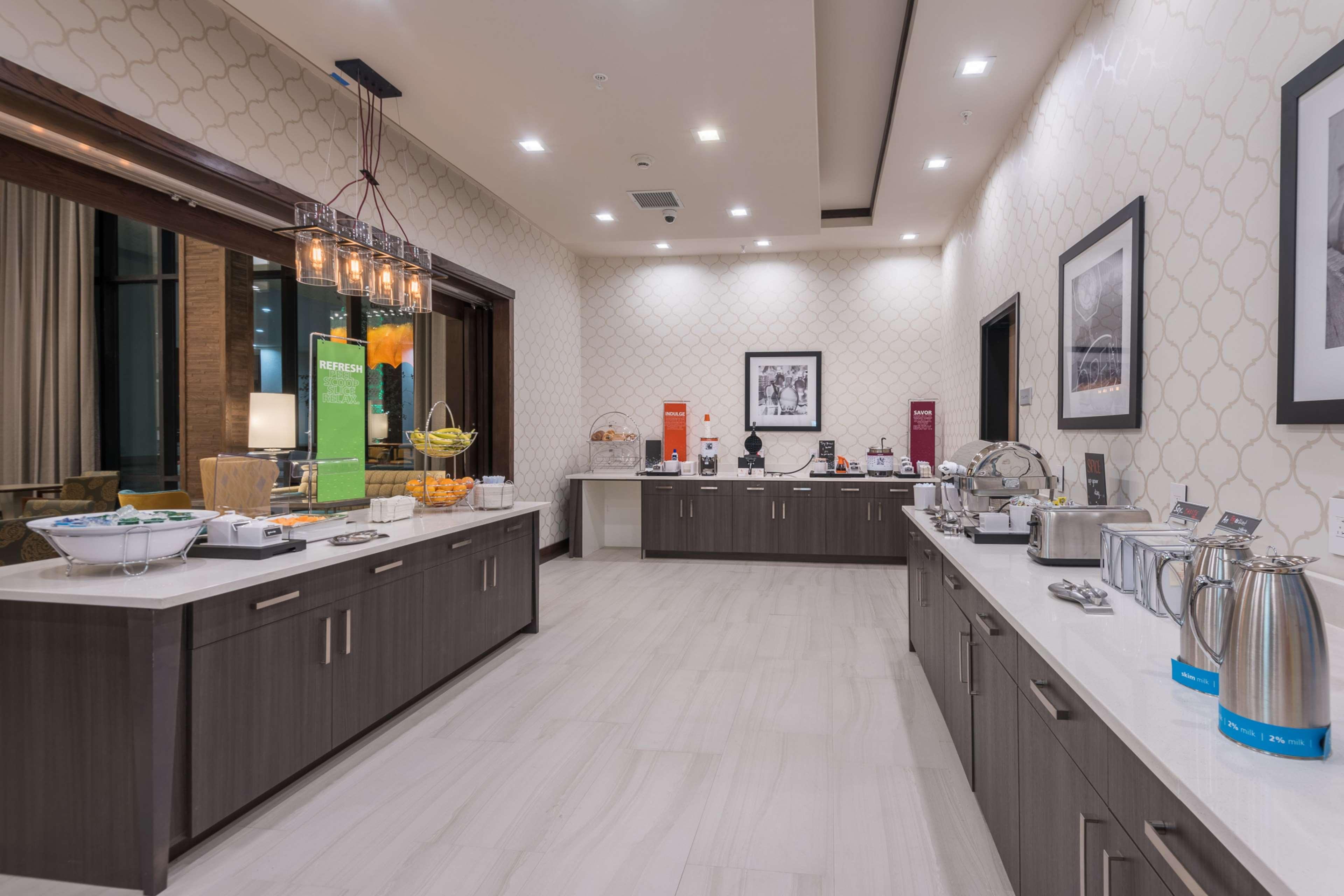 Hampton Inn & Suites Dallas-The Colony, TX image 12