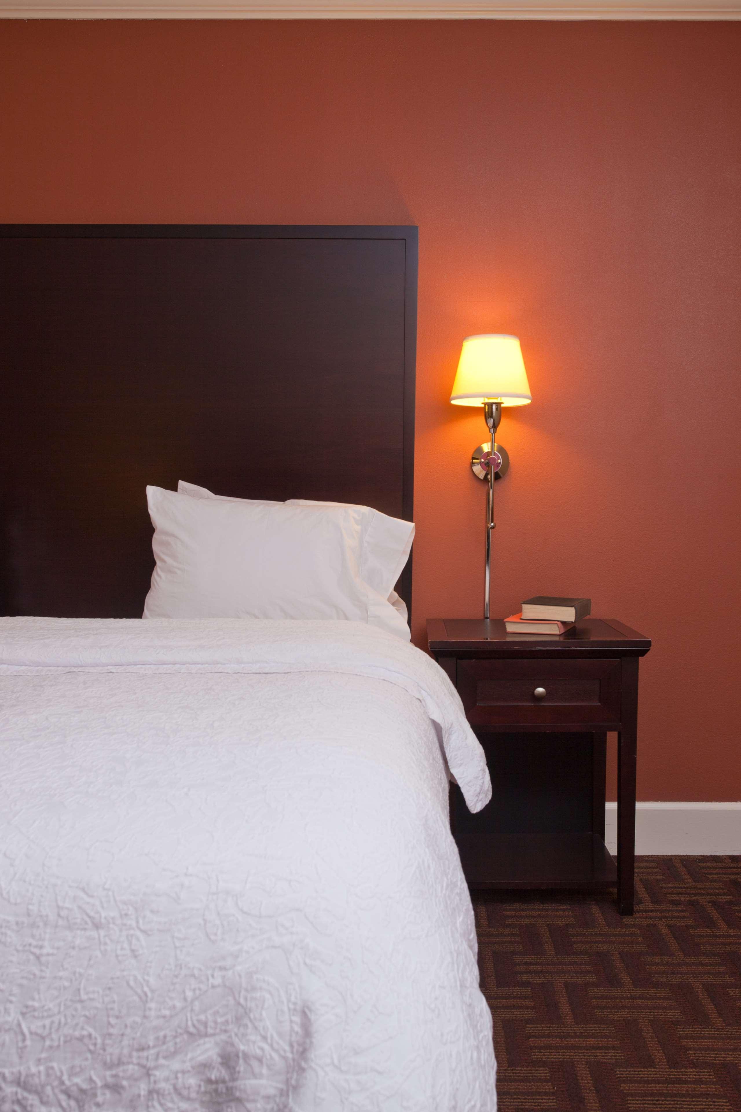 Hampton Inn & Suites Stamford image 31
