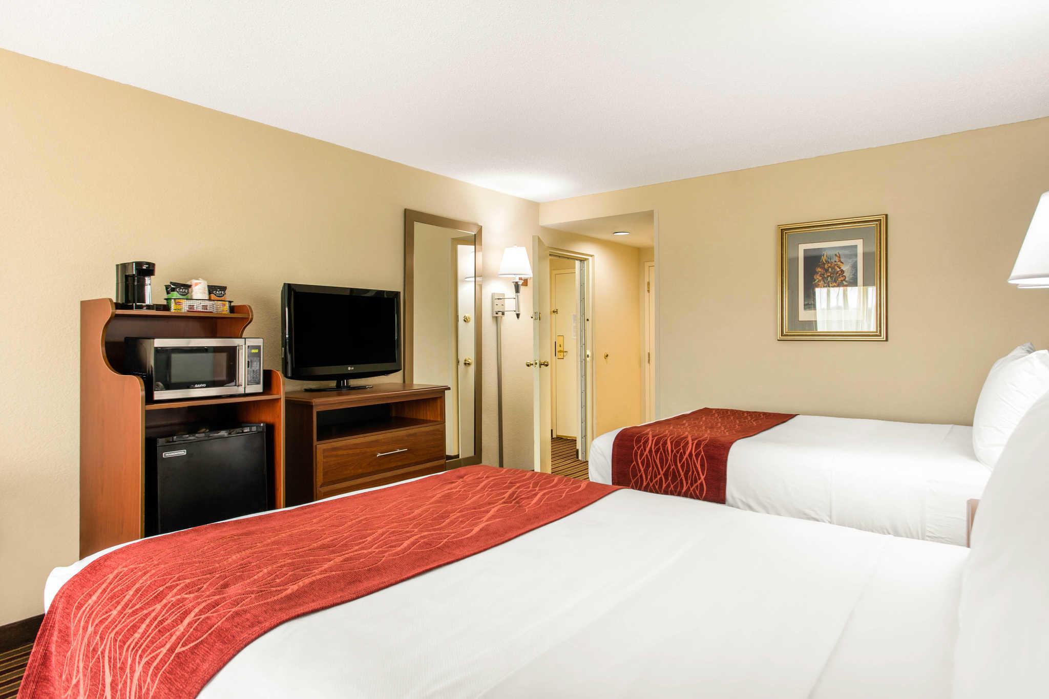 Comfort Inn & Suites Crabtree Valley image 25