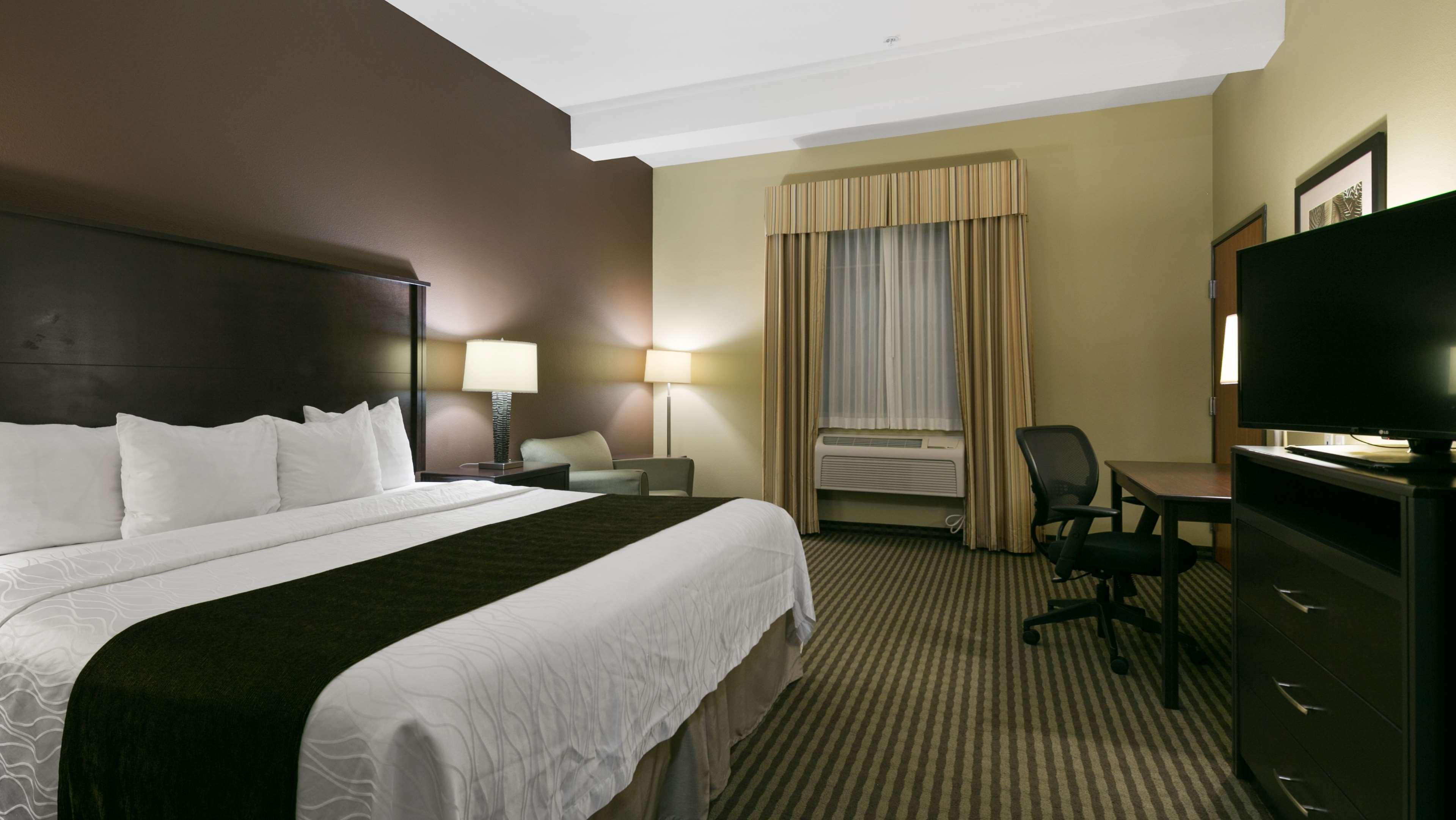 Best Western Plus Parkersville Inn & Suites image 7