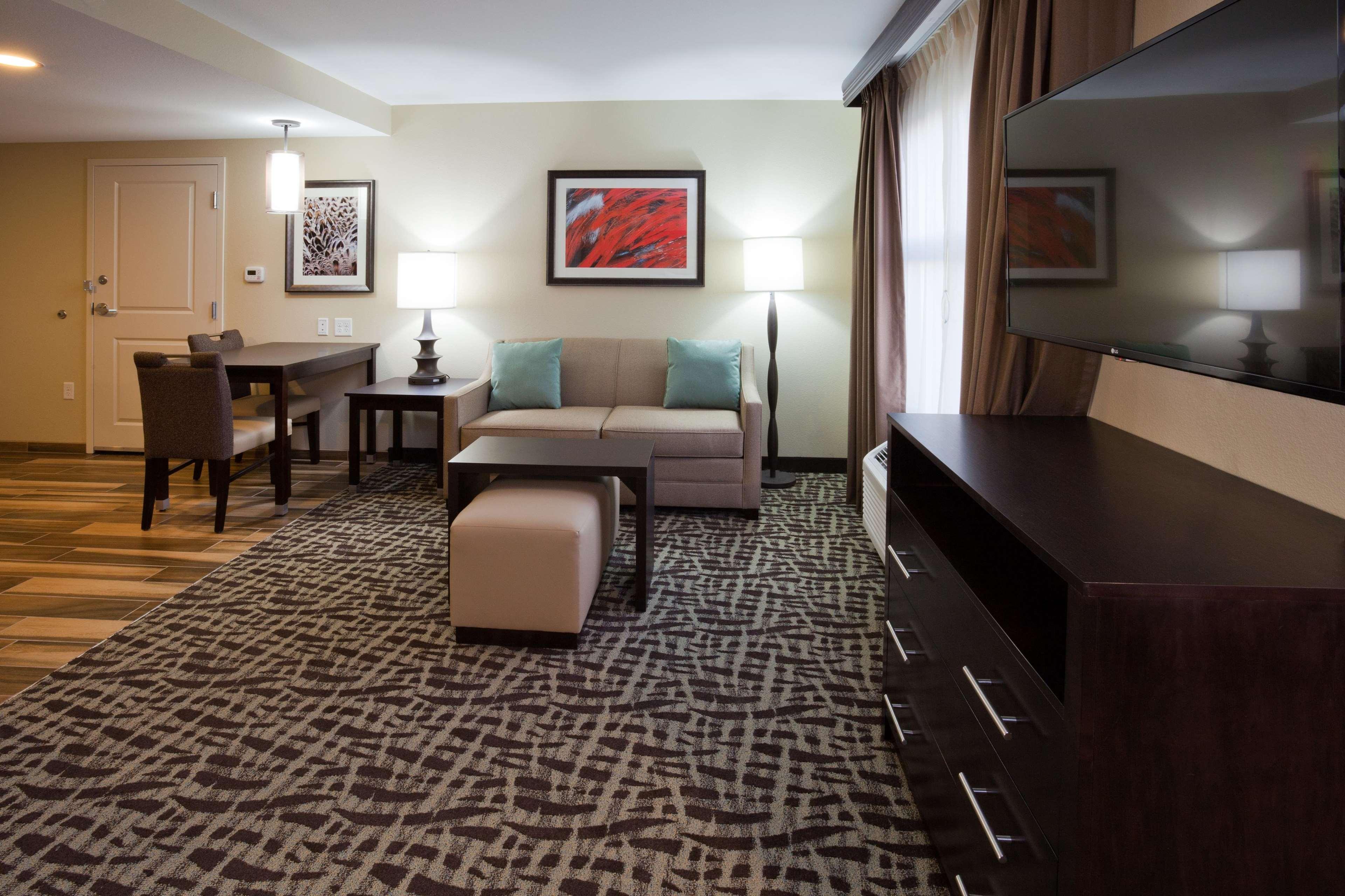Homewood Suites by Hilton Davenport image 15