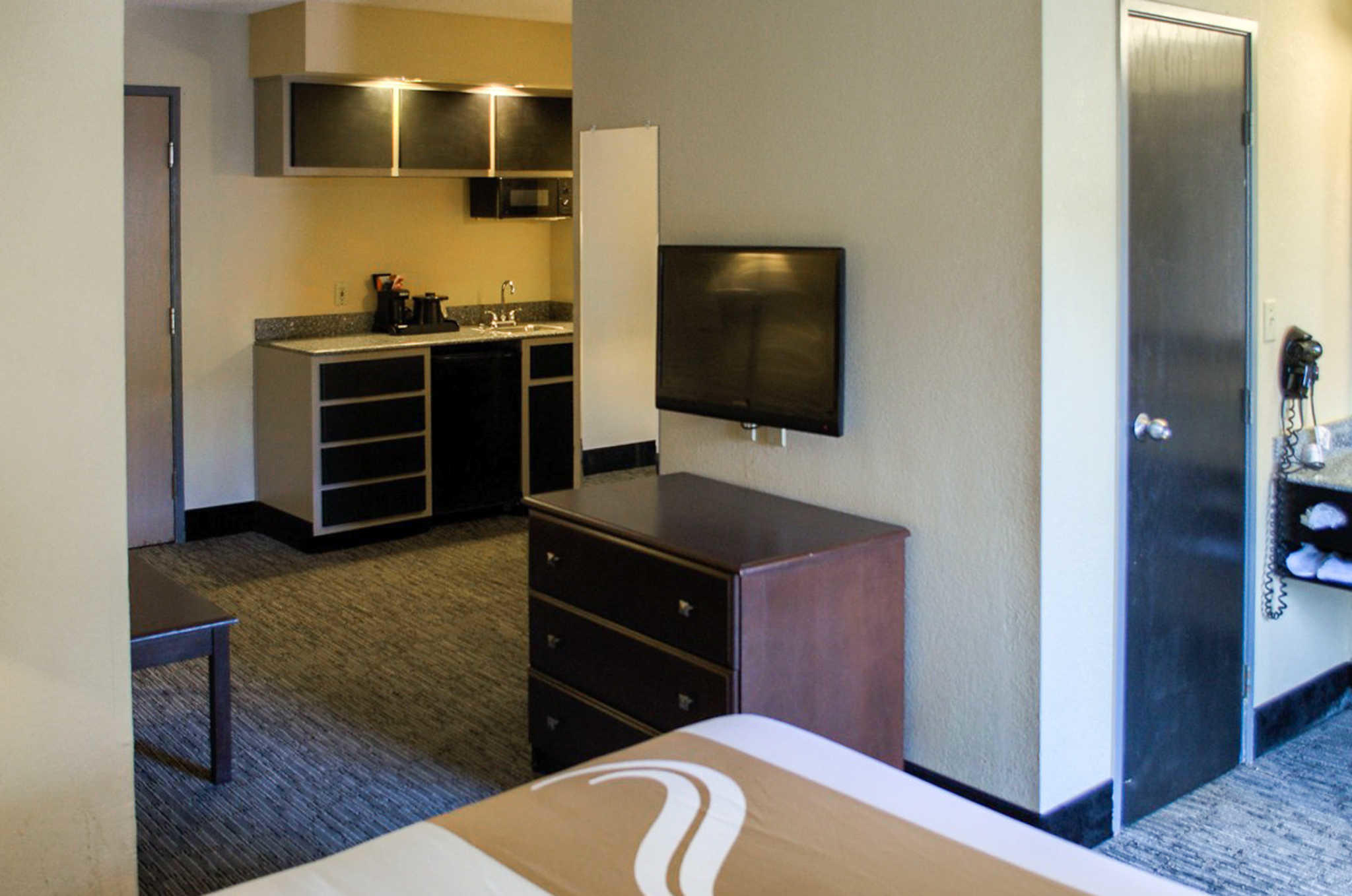 Quality Inn & Suites at Airport Blvd I-65 image 11