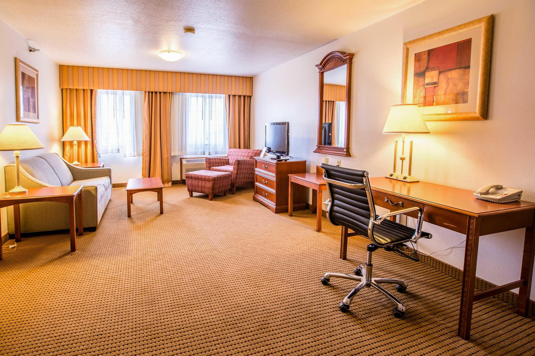 Quality Inn & Suites University image 21