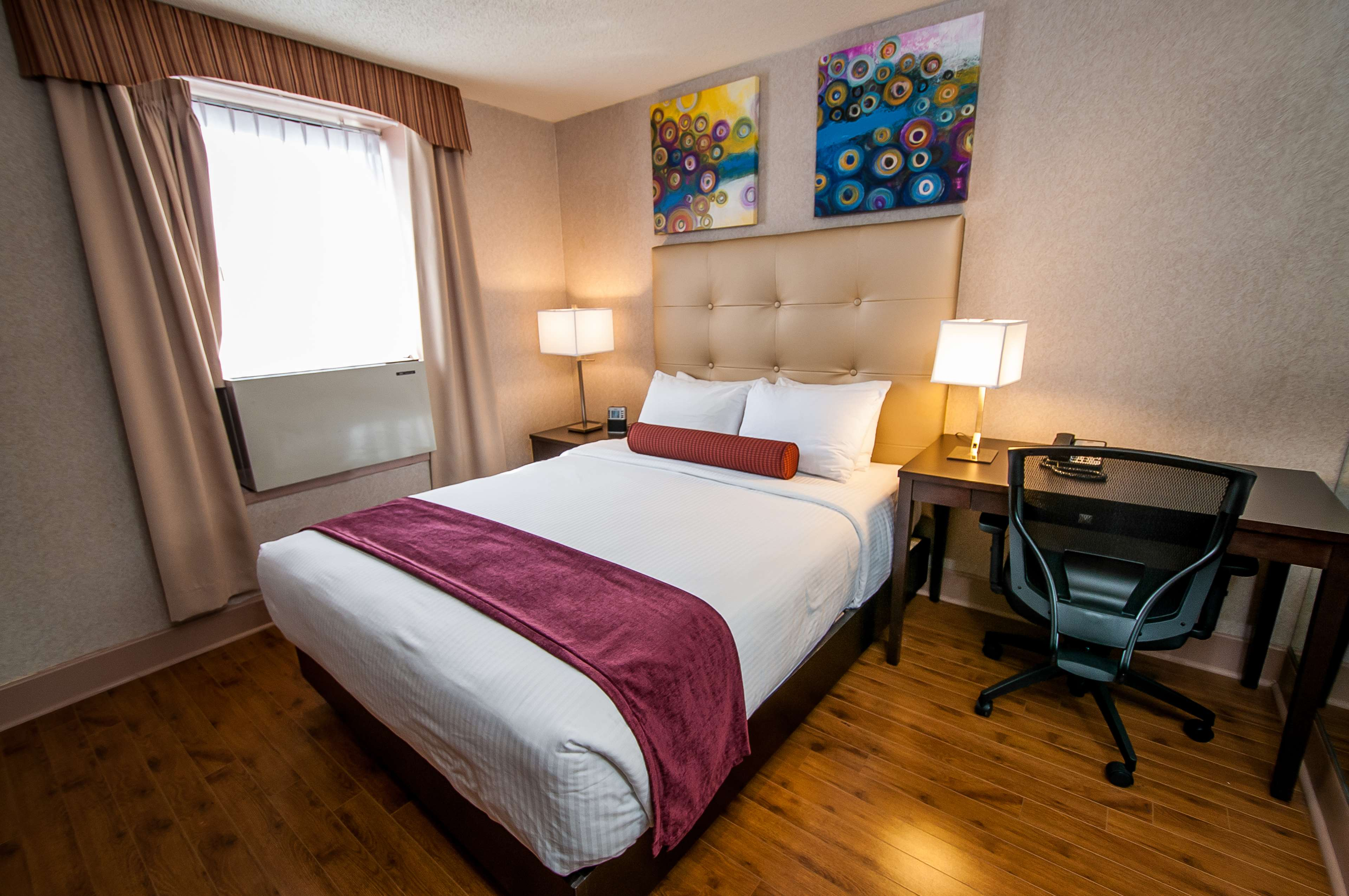 Best Western Plus Montreal Downtown-Hotel Europa à Montreal: Queen Guest Room
