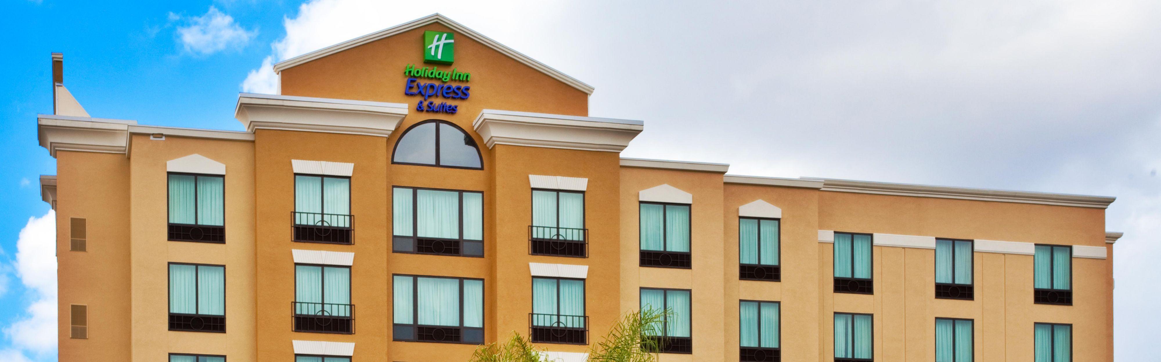 Holiday Inn Express & Suites Orlando - International Drive image 0