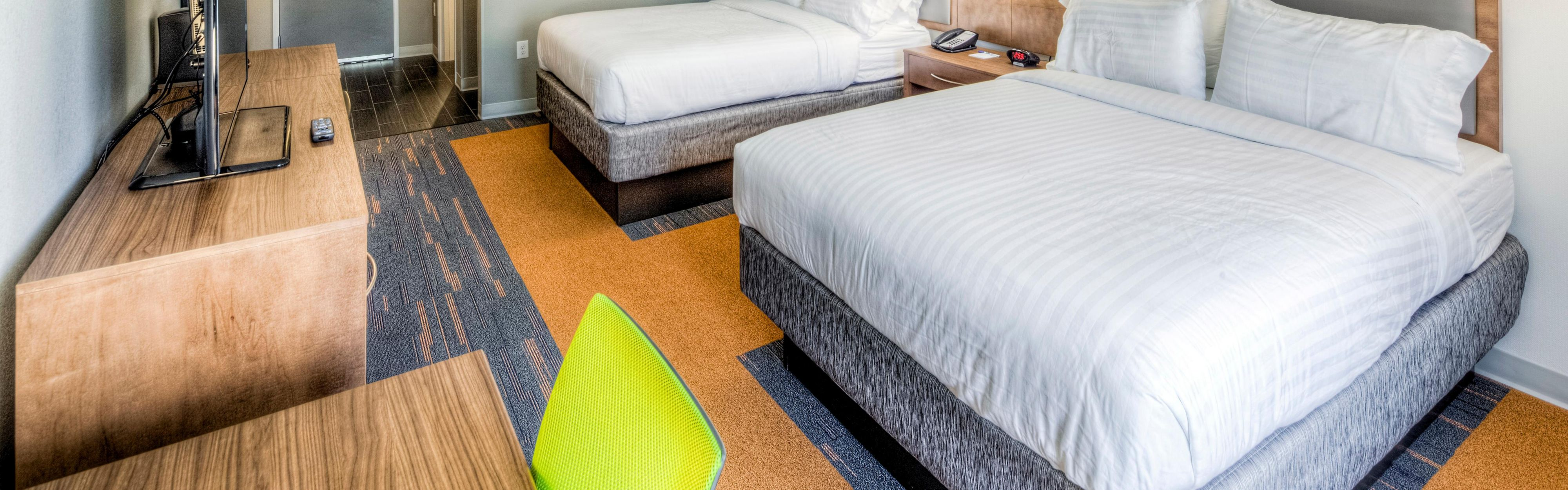 Holiday Inn Express & Suites Cleveland West - Westlake image 1