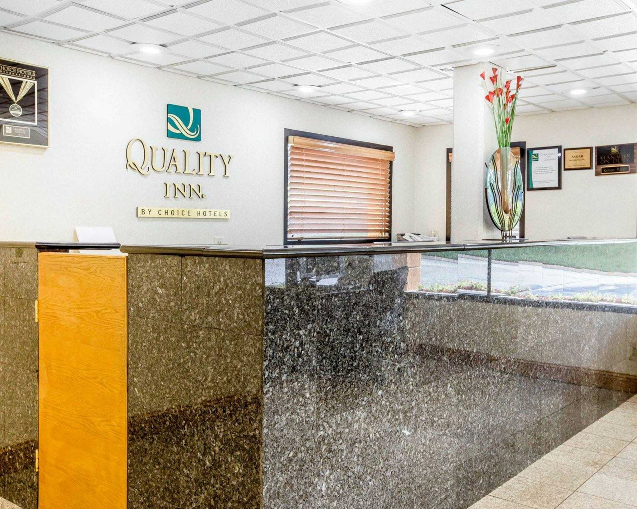 Quality Inn image 17