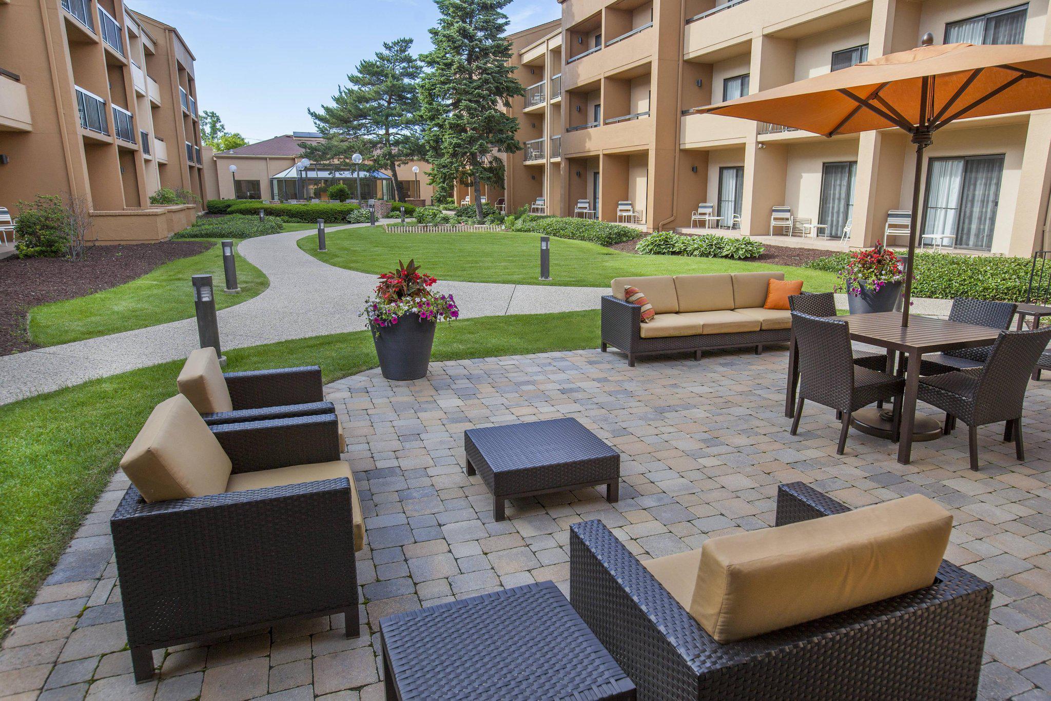 Courtyard by Marriott Chicago Highland Park/Northbrook