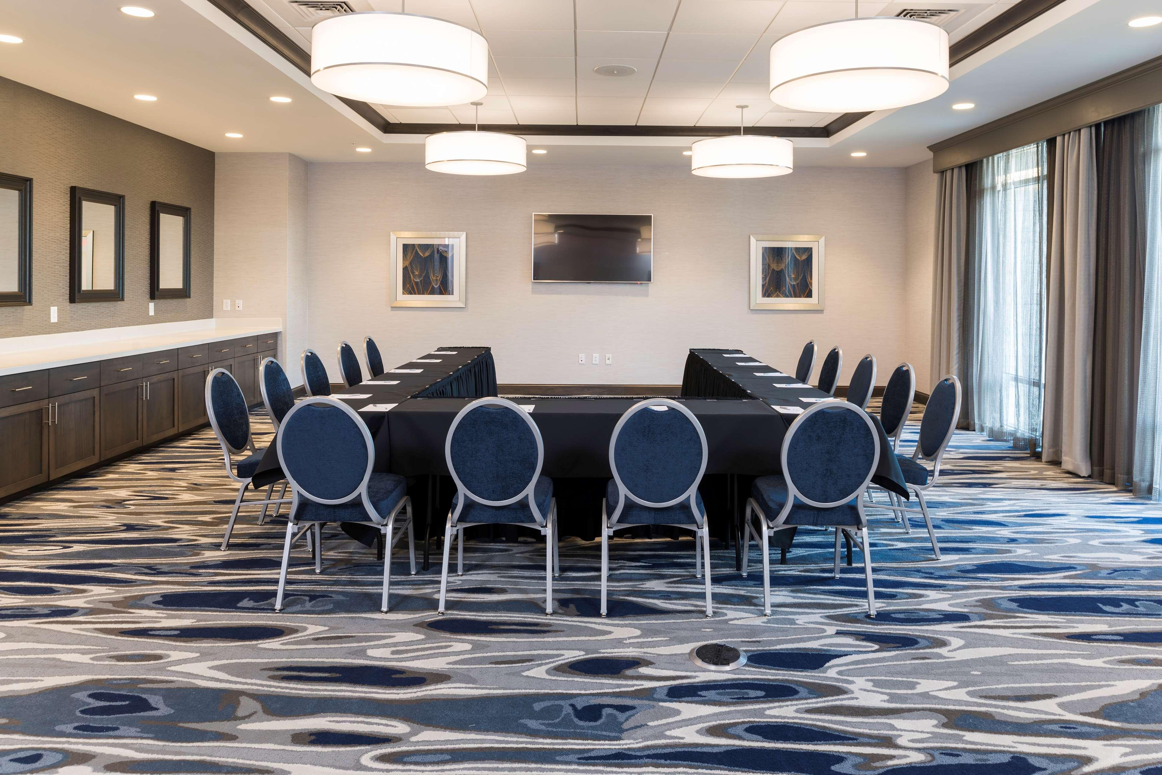 Hampton Inn & Suites Indianapolis-Keystone image 38