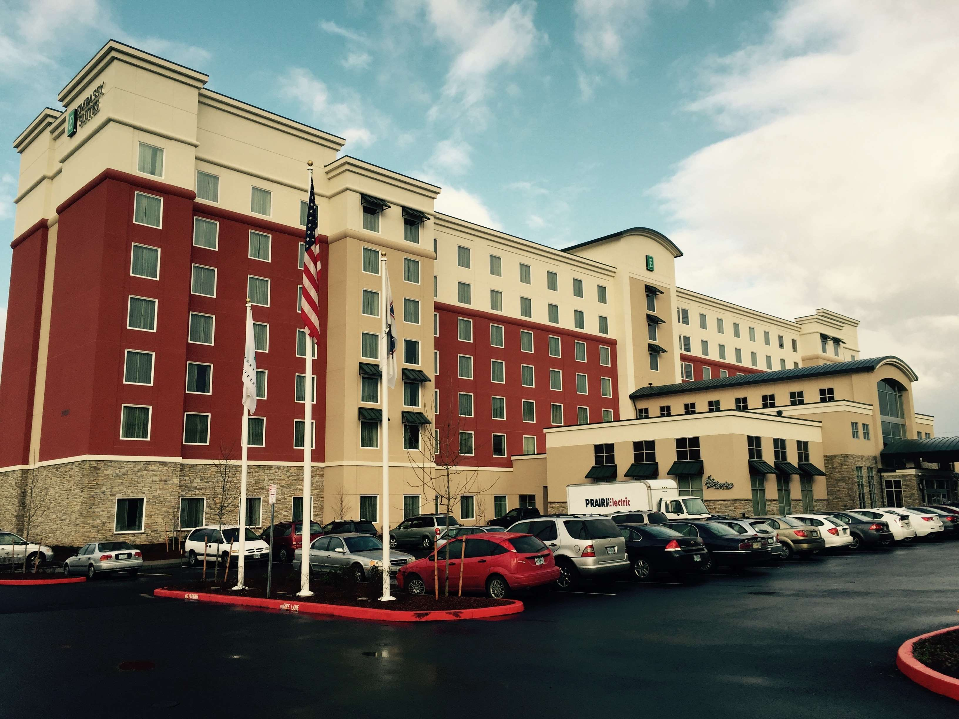 Embassy Suites by Hilton Portland Hillsboro, Oregon image 1