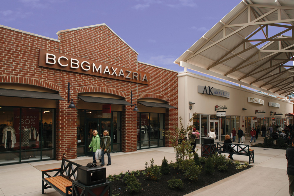Find an exciting collection of outlet stores from the world's leading designers and name brands in an outdoor shopping location. Philadelphia Premium Outlets® offers extraordinary savings of up to 65% off every day on exceptional brands including: Michael Kors, Coach, Kate Spade New York, Neiman Marcus Last Call, Calvin Klein, and Ann Taylor.
