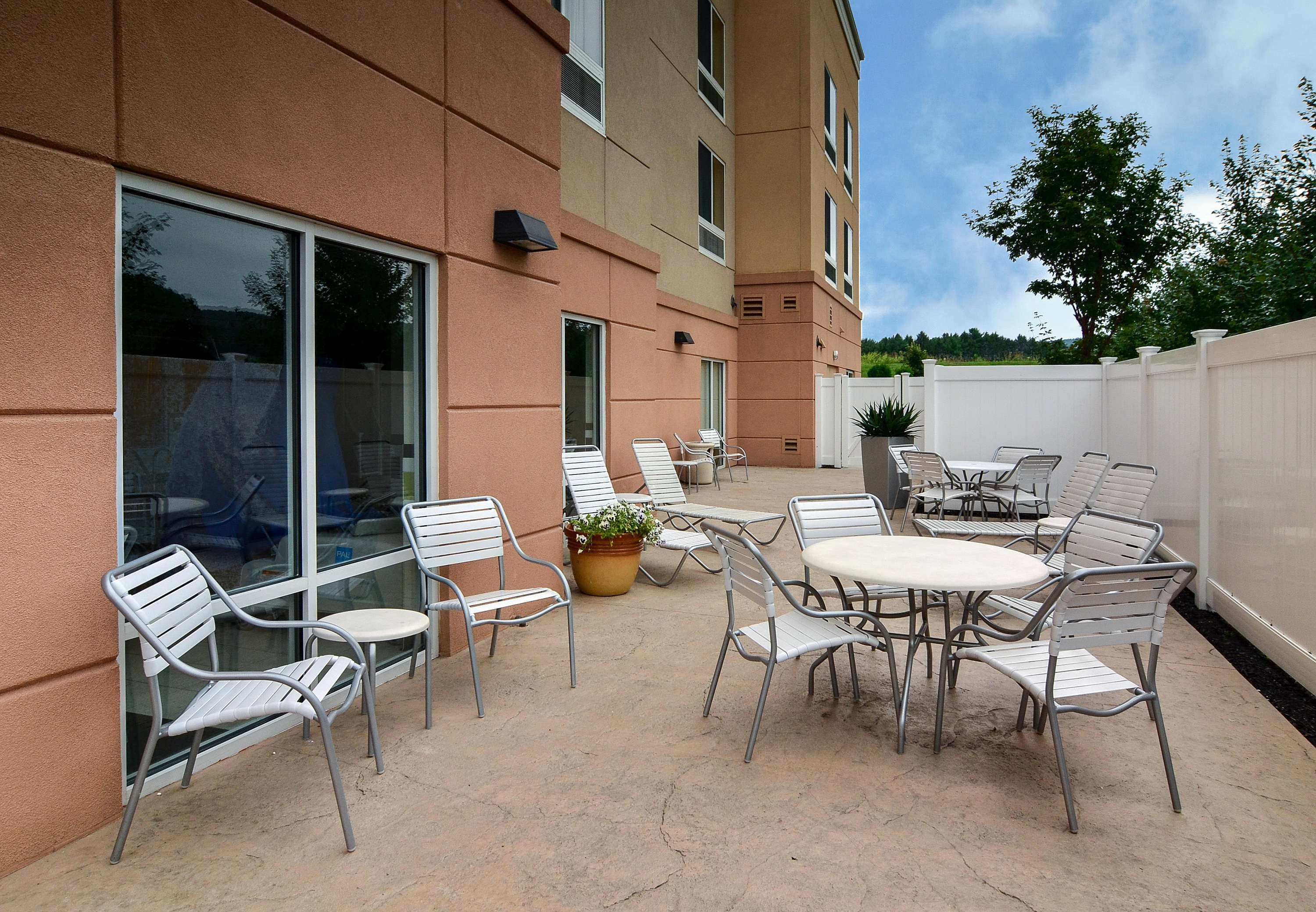 Fairfield Inn & Suites by Marriott Huntingdon Route 22/Raystown Lake image 1