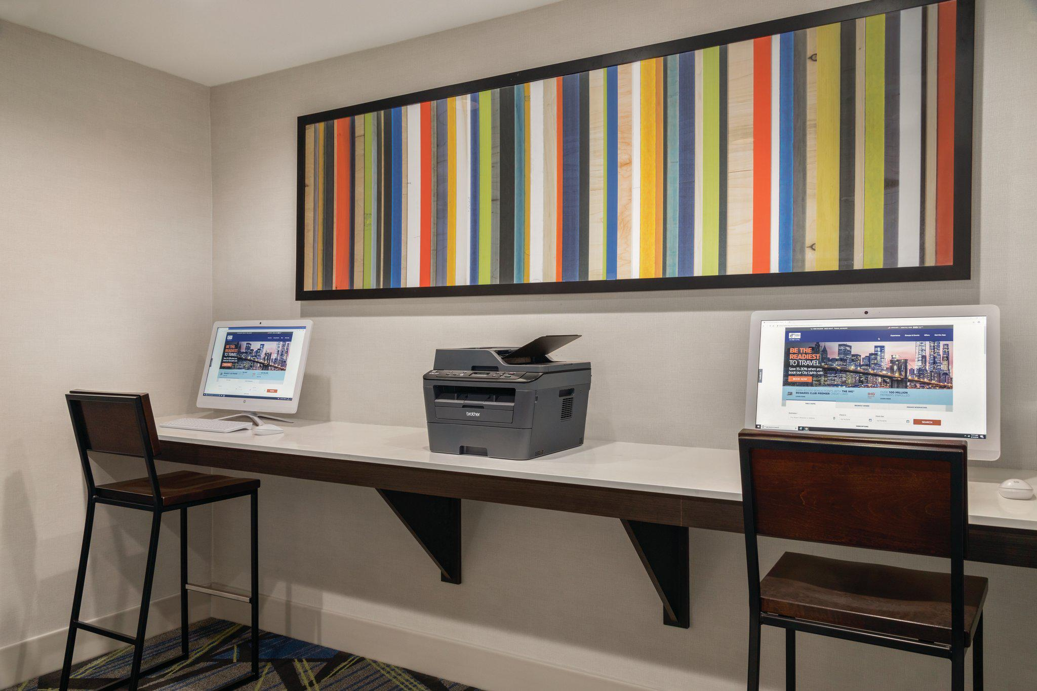 Holiday Inn Express & Suites Lawton-Fort Sill, an IHG Hotel