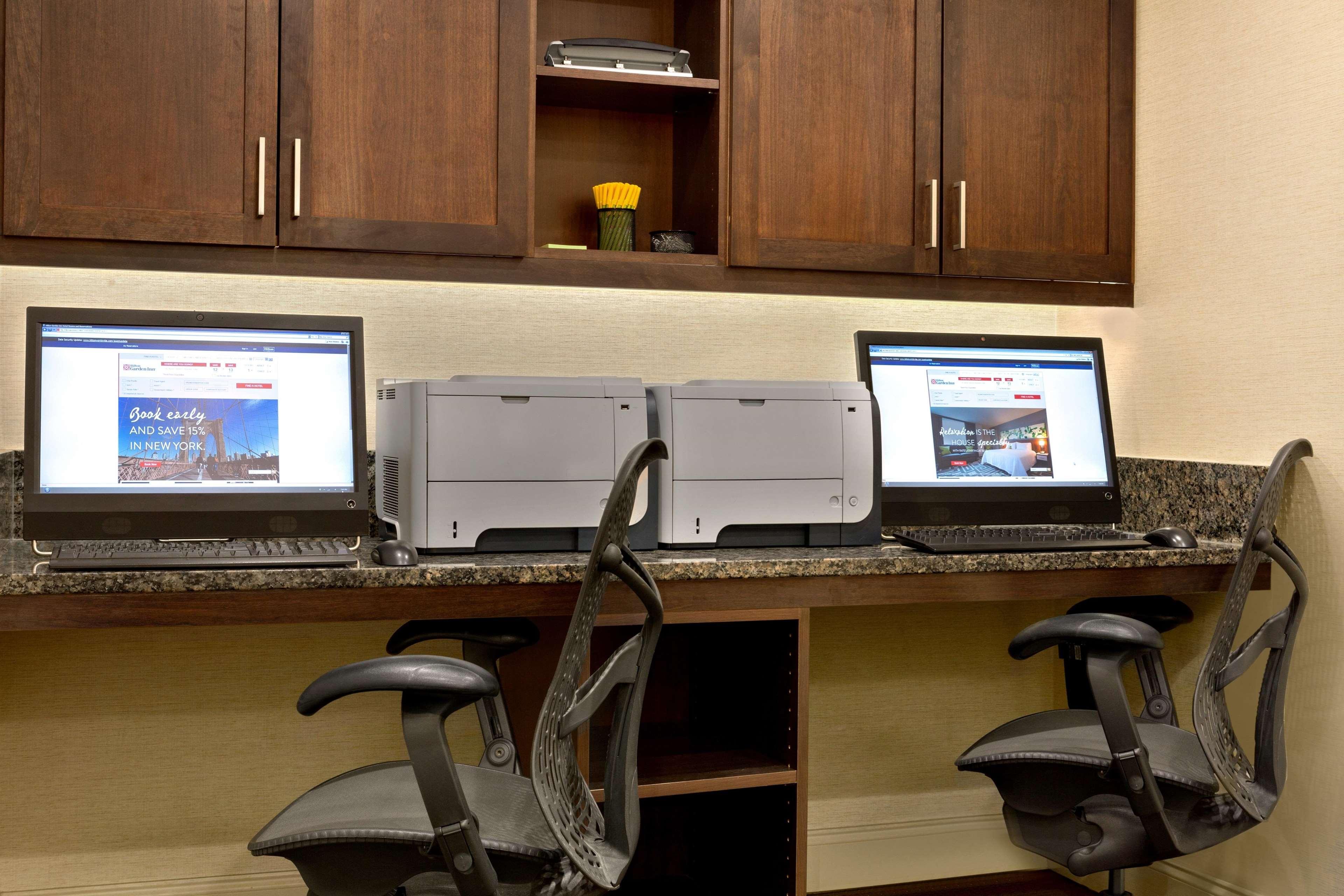 Hilton Garden Inn Atlanta Perimeter Center image 4
