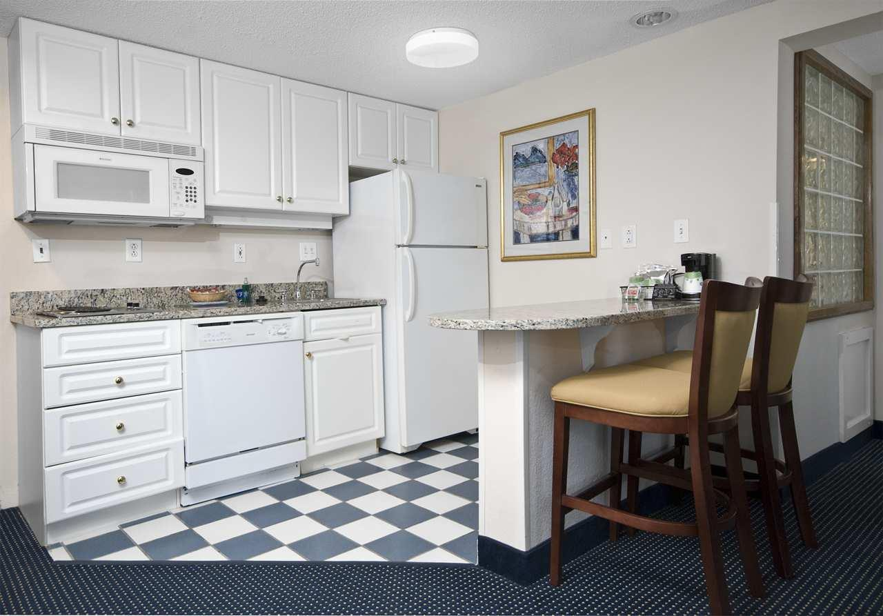 Hampton Inn & Suites Raleigh/Cary I-40 (PNC Arena) image 31