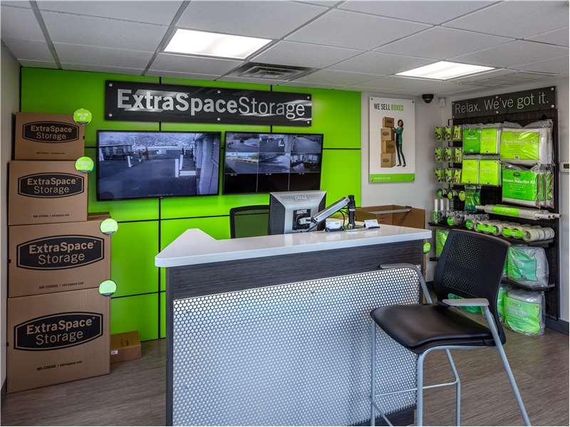 Extra Space Storage 245 Washington St Auburn, MA Warehouses Self Storage    MapQuest