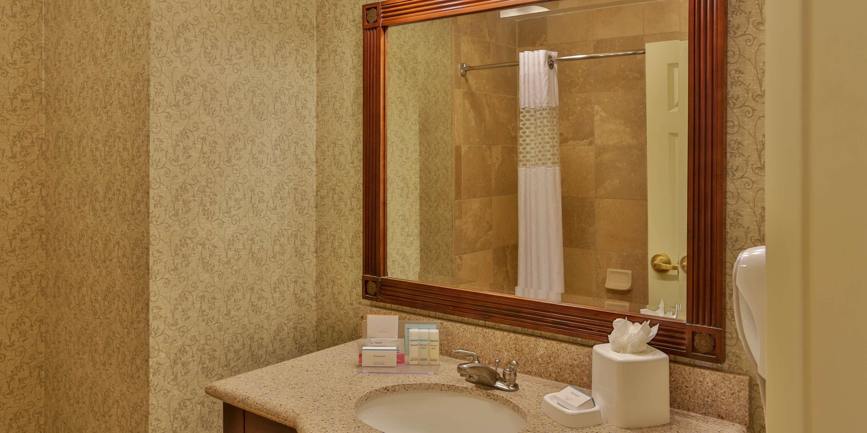 Hampton Inn & Suites Savannah Historic District image 38